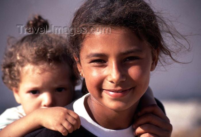 moroc147: Morocco / Maroc - Mazagão / El Djadida: girls / raparigas - photo by F.Rigaud - (c) Travel-Images.com - Stock Photography agency - Image Bank