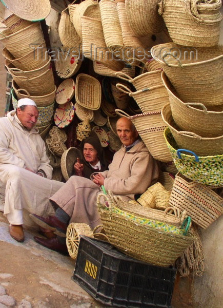 moroc165: Morocco / Maroc - Fez: in a basket-shop - photo by J.Kaman - (c) Travel-Images.com - Stock Photography agency - Image Bank
