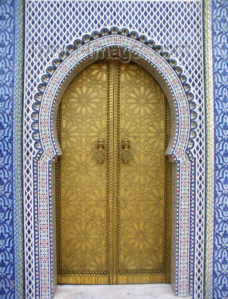 moroc169: Morocco / Maroc - Fez: gate at the Royal Palace - tiles - photo by J.Kaman - (c) Travel-Images.com - Stock Photography agency - Image Bank