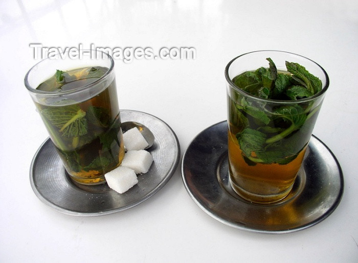 moroc194: Morocco / Maroc - Marrakesh: glasses of mint tea / chá de menta - photo by J.Kaman - (c) Travel-Images.com - Stock Photography agency - Image Bank