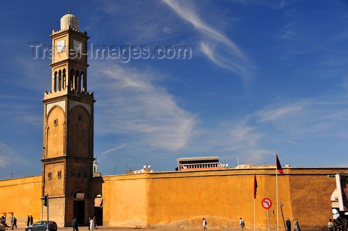 moroc211: Casablanca, Morocco: wall of the medina and clock tower from UN square - Place des Nation Unies - photo by M.Torres - (c) Travel-Images.com - Stock Photography agency - Image Bank