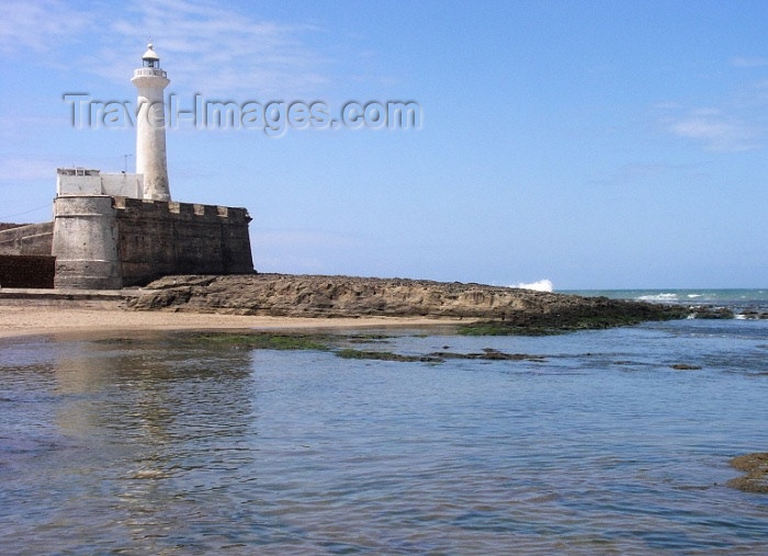 moroc228: Morocco / Maroc - Rabat: the lighthouse and the beach, a surfing hotspot - Fort de la Calette - photo by J.Kaman - (c) Travel-Images.com - Stock Photography agency - Image Bank