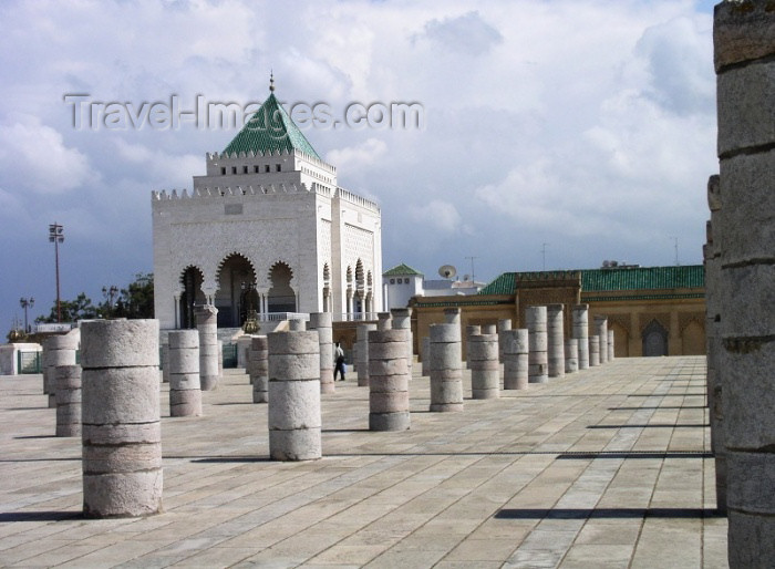 moroc235: Morocco / Maroc - Rabat: mausoleum of Mohammed V - pavilion - photo by J.Kaman - (c) Travel-Images.com - Stock Photography agency - Image Bank