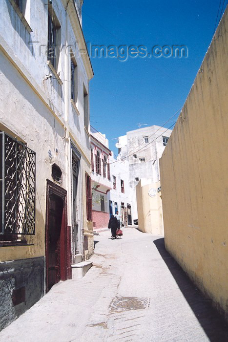 moroc27: Morocco / Maroc - Tetouan: Rue Dar el Baroud - photo by M.Torres - (c) Travel-Images.com - Stock Photography agency - Image Bank