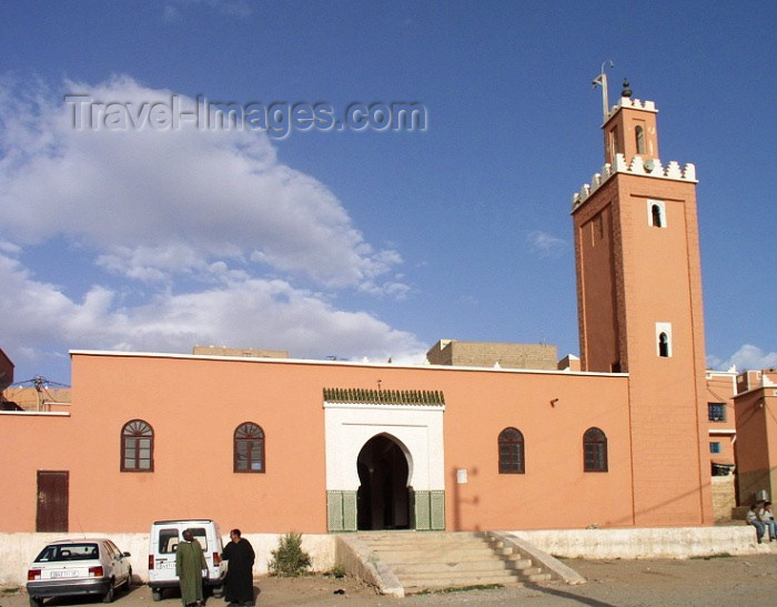 moroc289: Morocco / Maroc - Boumalne (Souss Massa-Draa): mosque - photo by J.Kaman - (c) Travel-Images.com - Stock Photography agency - Image Bank