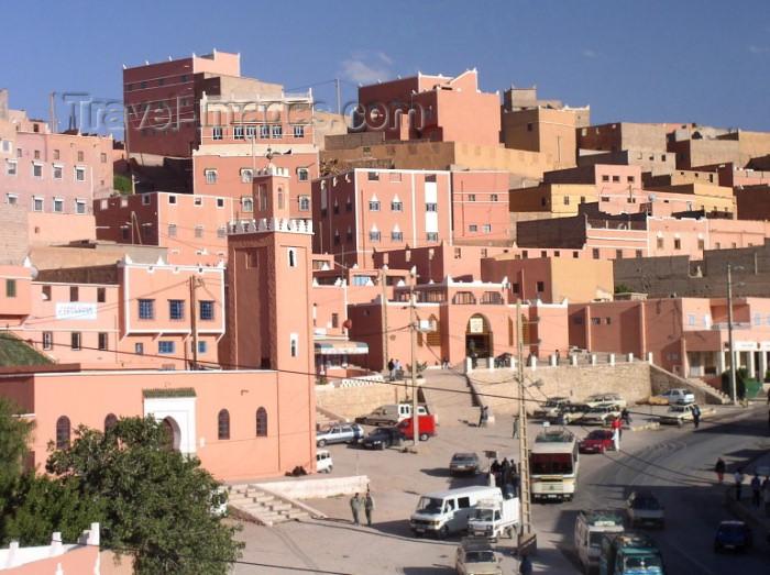 moroc307: Morocco / Maroc - Boumalne du Dades: dense urban planning - photo by J.Kaman - (c) Travel-Images.com - Stock Photography agency - Image Bank