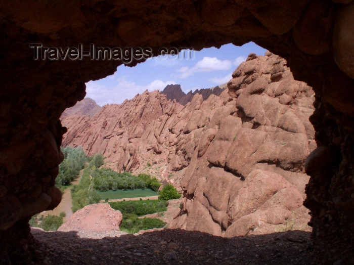 moroc316: Morocco / Maroc - Dades gorge: from a cave - photo by J.Kaman - (c) Travel-Images.com - Stock Photography agency - Image Bank