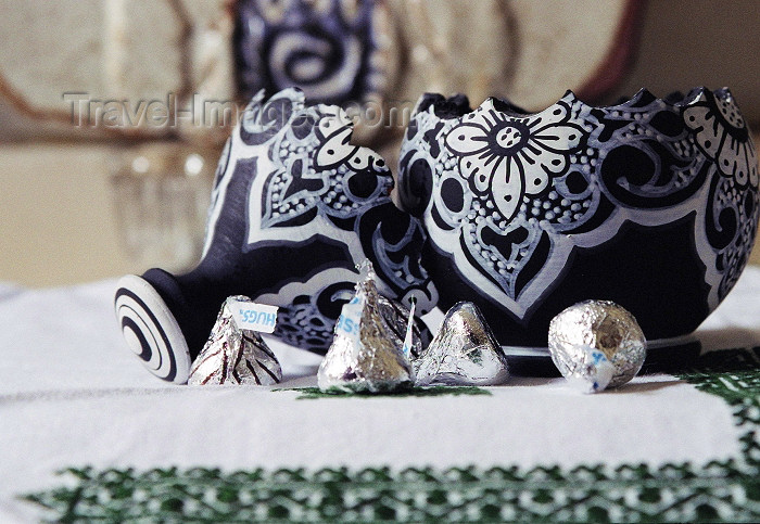 moroc318: Morocco / Maroc - Safi: hand made from Morocco - photo by D.Bahraoui - (c) Travel-Images.com - Stock Photography agency - Image Bank