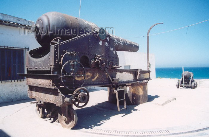 moroc33: Morocco / Maroc - Tangier / Tanger: the colonial artillery still gazes over the Atlantic - photo by M.Torres - (c) Travel-Images.com - Stock Photography agency - Image Bank