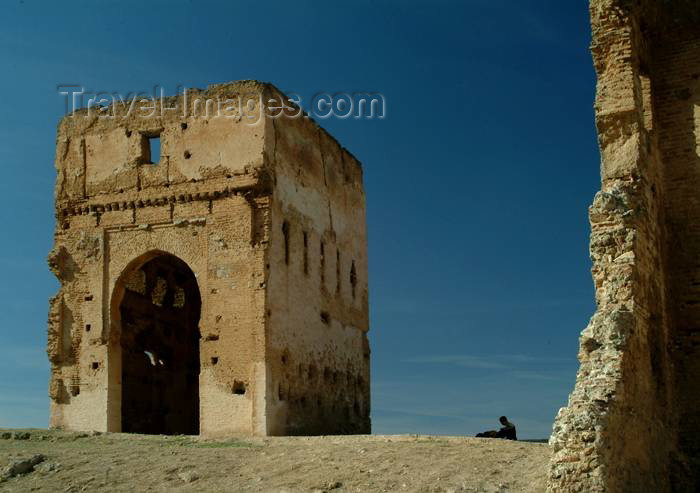 moroc338: Morocco / Maroc - Fez: ruins over the city - photo by J.Banks - (c) Travel-Images.com - Stock Photography agency - Image Bank