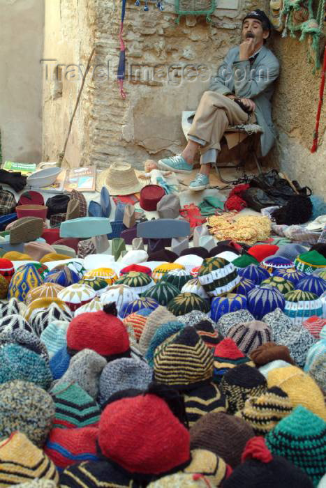 moroc339: Morocco / Maroc - Fez: hat seller - photo by J.Banks - (c) Travel-Images.com - Stock Photography agency - Image Bank