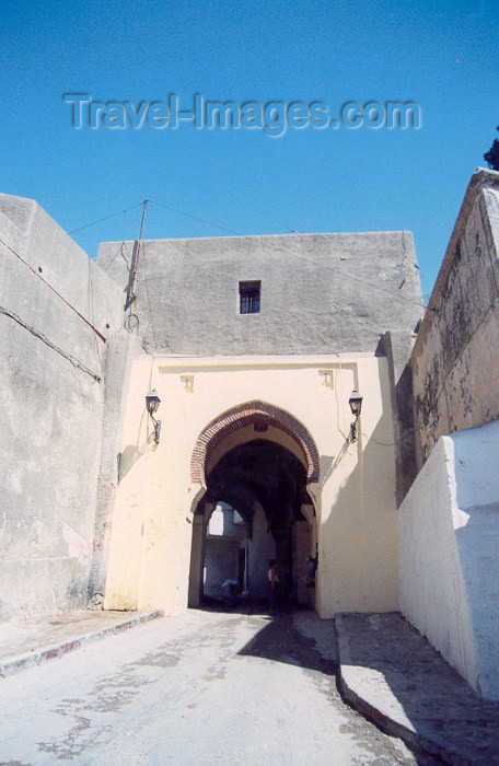moroc37: Morocco / Maroc - Tangier / Tanger: gate of the Kasbah - photo by M.Torres - (c) Travel-Images.com - Stock Photography agency - Image Bank