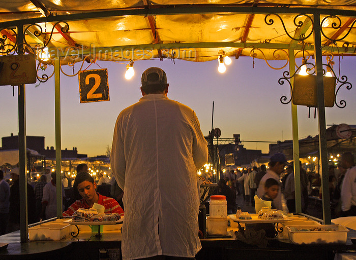 moroc500: Marrakesh - Morocco: Djemaa El Fnaa stalls  - dusk - photo by Sandia - (c) Travel-Images.com - Stock Photography agency - Image Bank