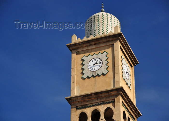 moroc543: Casablanca / Dar-el-Baida, Morocco: detail of the medina clock - Place des Nation Unies Medina - photo by M.Torres - (c) Travel-Images.com - Stock Photography agency - Image Bank