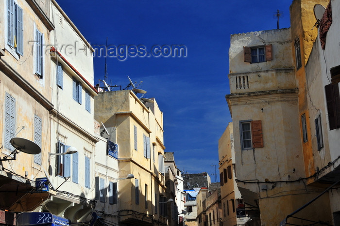 moroc545: Casablanca, Morocco: Medina - entrance from Blvd Tahar el-Alaoui - photo by M.Torres - (c) Travel-Images.com - Stock Photography agency - Image Bank