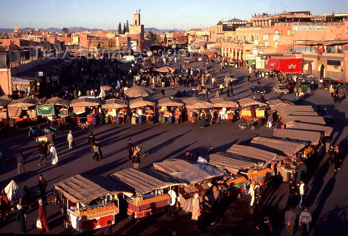 moroc6: Morocco / Maroc - Marrakesh / Marrakech: Place Djemaa el Fna - market square - photo by F.Rigaud - (c) Travel-Images.com - Stock Photography agency - Image Bank