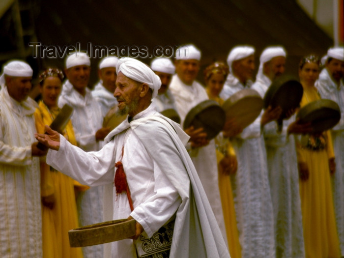 moroc96: Morocco / Maroc - Imilchil: musician at the moussem - Muslim festival - feasting - photo by F.Rigaud - (c) Travel-Images.com - Stock Photography agency - Image Bank