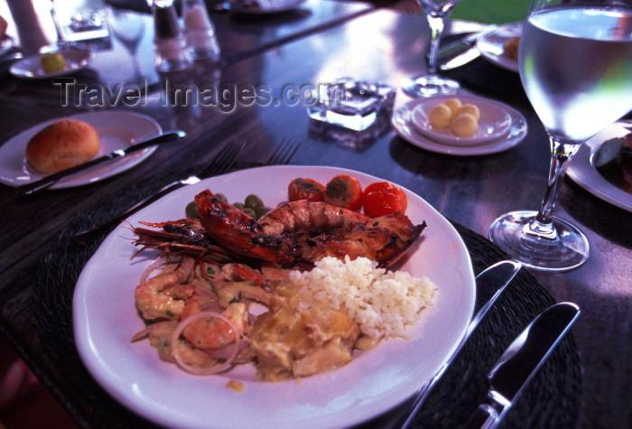mozambique122: Mozambique / Moçambique - Pemba / Porto Amelia, provincia de Cabo Delgado: prawns - Mozambican food at a restaurant / camarões - photo by F.Rigaud - (c) Travel-Images.com - Stock Photography agency - Image Bank