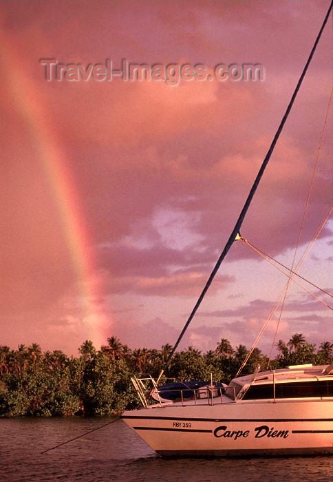 mozambique134: Mozambique / Moçambique - Inhambane: rainbow on the beach - yacht Carpe Diem / arco iris na praia - photo by F.Rigaud - (c) Travel-Images.com - Stock Photography agency - Image Bank