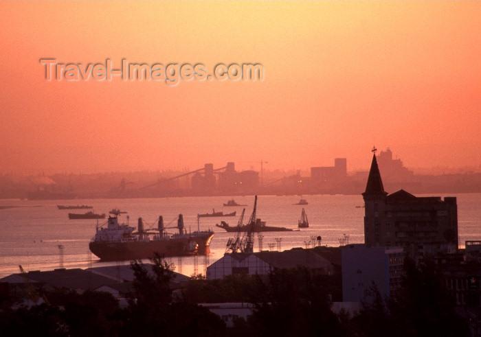 mozambique139: Mozambique / Moçambique - Maputo / Lourenço Marques: the harbour at sunset / o porto ao pôr do sol - photo by F.Rigaud - (c) Travel-Images.com - Stock Photography agency - Image Bank