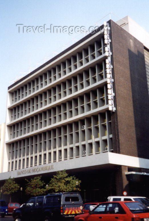 mozambique14: Mozambique / Moçambique - Maputo / Lourenço Marques / MPM: Banco de Moçambique, o banco central, antigo BNU - Banco Nacional Ultramarino - avenida 25 de Setembro, ex Av. da Republica - photo by M.Torres) - (c) Travel-Images.com - Stock Photography agency - Image Bank