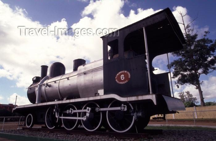 mozambique142: Mozambique / Moçambique - Inhambane: old steam locomotive / locomotiva a vapor - Caminhos de Ferro de Moçambique - Casa da Cultura - photo by F.Rigaud - (c) Travel-Images.com - Stock Photography agency - Image Bank