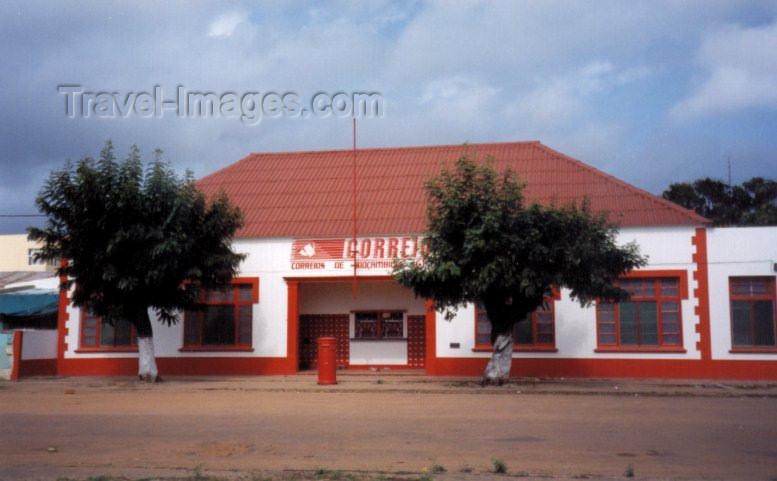mozambique29: Xai-Xai / Vila João Belo / VJB (Gaza): the post-office / os correios / CTT - photo by M.Torres - (c) Travel-Images.com - Stock Photography agency - Image Bank