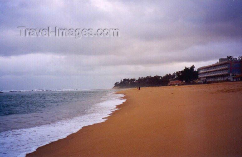 mozambique35: Xai-Xai / Vila João Belo / VJB: the beach - praia Sepúlveda / a praia - photo by M.Torres - (c) Travel-Images.com - Stock Photography agency - Image Bank