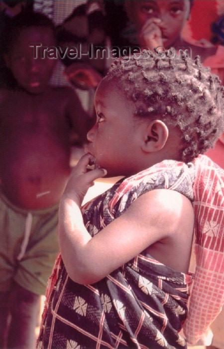 mozambique65: Mozambique / Moçambique - Pemba / Porto Amelia, Cabo Delgado province: young girl / miuda - photo by F.Rigaud - (c) Travel-Images.com - Stock Photography agency - Image Bank