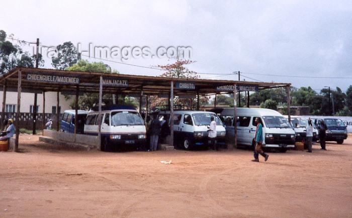 mozambique78: Xai-Xai / Vila João Belo / VJB: Chapas at the bus terminal / chapas na estação de autocarros - photo by M.Torres - (c) Travel-Images.com - Stock Photography agency - Image Bank