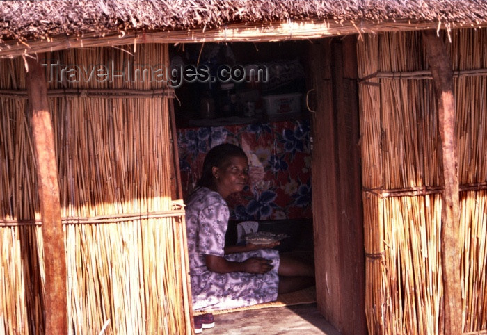 mozambique86: Mozambique / Moçambique - Bazaruto island: lady in a traditional house / mulher numa cabana- photo by F.Rigaud - (c) Travel-Images.com - Stock Photography agency - Image Bank