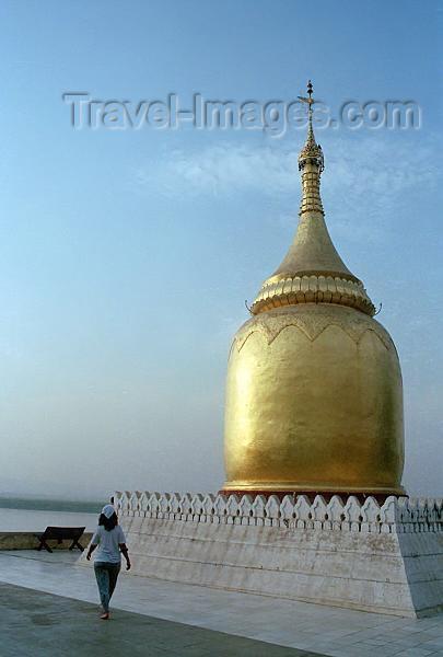myanmar182: Myanmar / Burma - Bagan / Pagan: Bupaya pagoda, , by the Ayeyarwady river - stupa - stuppa - zedi - religion - Buddhism (photo by J.Kaman) - (c) Travel-Images.com - Stock Photography agency - Image Bank