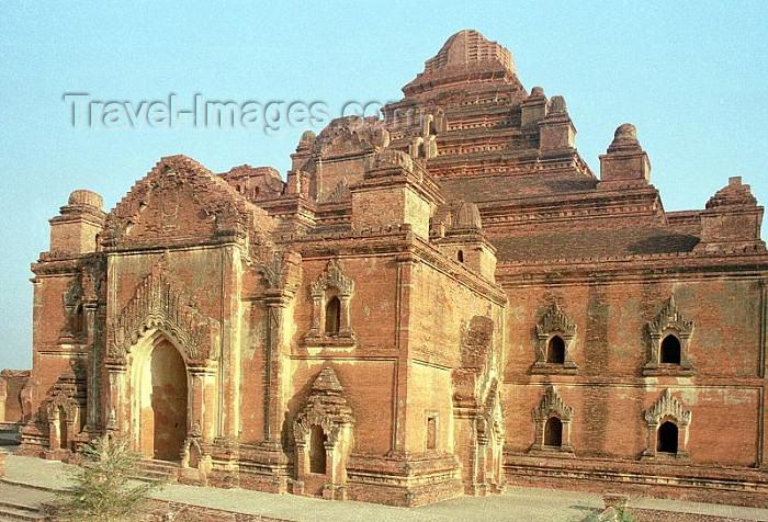 myanmar184: Myanmar / Burma - Bagan: ruined temple - Dhammayangyi Pahto - Bagan's most massive shrine - religion - Buddhism (photo by J.Kaman) - (c) Travel-Images.com - Stock Photography agency - Image Bank
