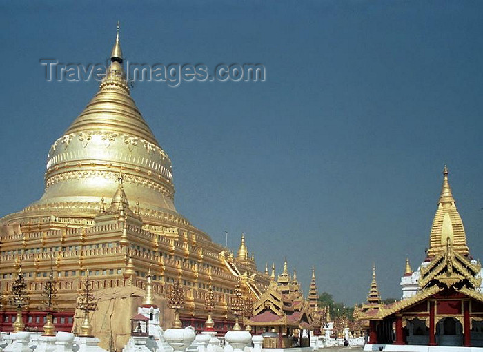 myanmar35: Myanmar / Burma - Bagan, Nyaung U (Mandalay division): Shwezigon pagoda - the pagoda is believed to enshrine a bone and tooth of Gautama Buddha - stupa - zedi (photo by J.Kaman) - (c) Travel-Images.com - Stock Photography agency - Image Bank