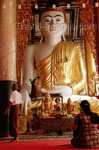 myanmar40: Myanmar / Burma - Yangoon / Rangoon: Buddha statue - Shwedagon pagoda - religion - Buddhism - art - Asia (photo by J.Kaman) - (c) Travel-Images.com - Stock Photography agency - Image Bank