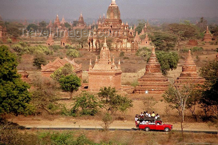 myanmar6: Myanmar / Burma - Bagan / Pagan: Buddhist temples and pagodas (photo by J.Kaman) - (c) Travel-Images.com - Stock Photography agency - Image Bank