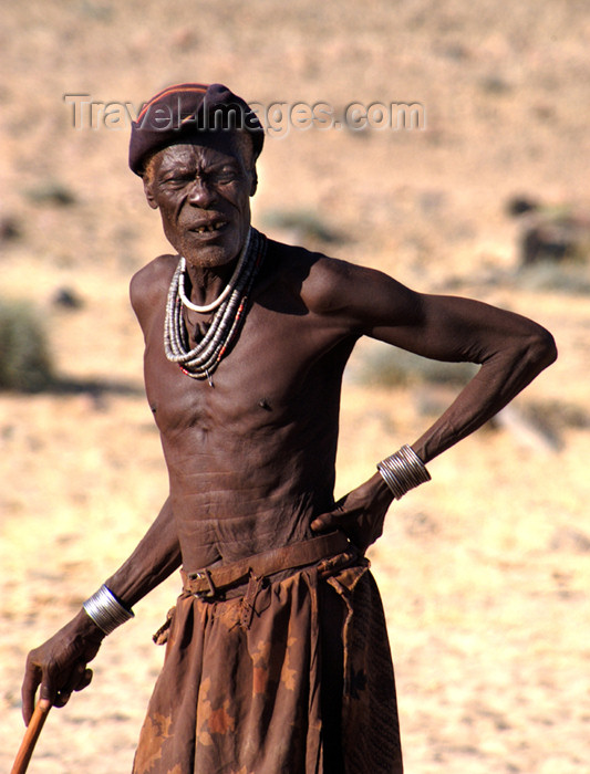 namibia145: Namibia: Himba Man, Skeleton Coast, Kunene region - photo by B.Cain - (c) Travel-Images.com - Stock Photography agency - Image Bank