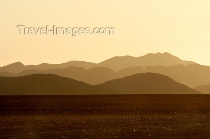 namibia158: Namibia: layered mountains at dusk, Skeleton Coast - photo by B.Cain - (c) Travel-Images.com - Stock Photography agency - Image Bank