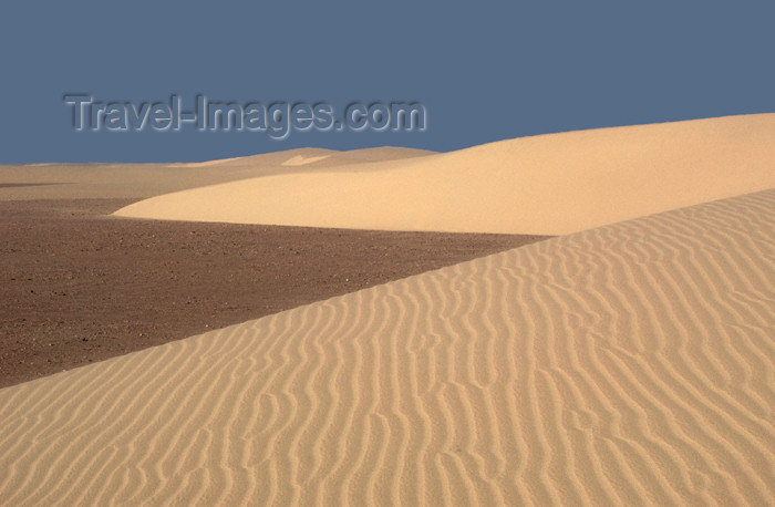namibia178: Namibia: sand dunes scenic, Skeleton Coast - photo by B.Cain - (c) Travel-Images.com - Stock Photography agency - Image Bank