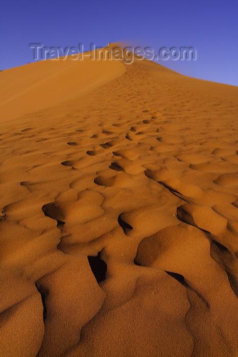 namibia199: Namib Desert - Sossusvlei, Hardap region, Namibia: symphony of sand - Namib-Naukluft National Park - photo by Sandia - (c) Travel-Images.com - Stock Photography agency - Image Bank