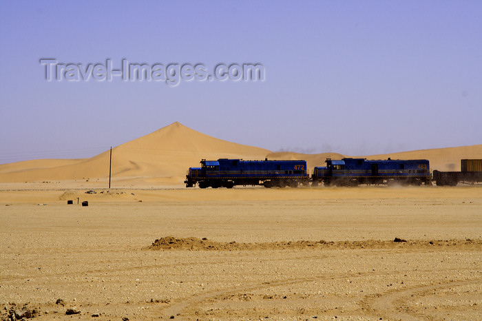 namibia217: Erongo region, Namibia: railway through the desert - on the way to Swakopmund - Trans-Namib Railway from Windhoek to Walvis Bay - photo by Sandia - (c) Travel-Images.com - Stock Photography agency - Image Bank