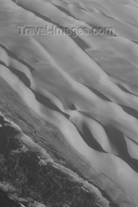 namibia35: Namib desert: meeting the South Atlantic ocean - black and white - photo by J.Banks - (c) Travel-Images.com - Stock Photography agency - Image Bank