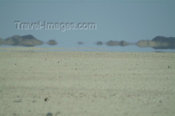 namibia36: Namibian haze - mirage - photo by J.Banks - (c) Travel-Images.com - Stock Photography agency - Image Bank
