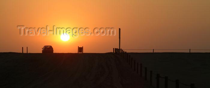 namibia39: Namibia: - Skeleton coast: sunset - car - photo by J.Banks - (c) Travel-Images.com - Stock Photography agency - Image Bank