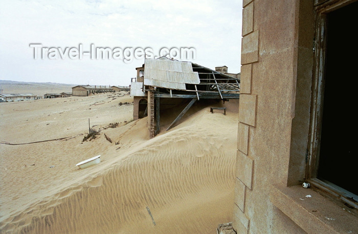 namibia68: Namibia - Kolmanskop, Karas Region: ghost town submerged in sand - photo by J.Stroh - (c) Travel-Images.com - Stock Photography agency - Image Bank