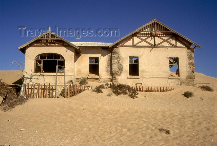 namibia92: Namibia - Kolmanskop: ghost house claimed by the desert - photo by G.Friedman - (c) Travel-Images.com - Stock Photography agency - Image Bank