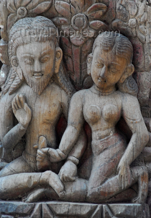 nepal135: Kathmandu, Nepal: amorous wood sculpture in an Hindu temple - photo by E.Petitalot - (c) Travel-Images.com - Stock Photography agency - Image Bank