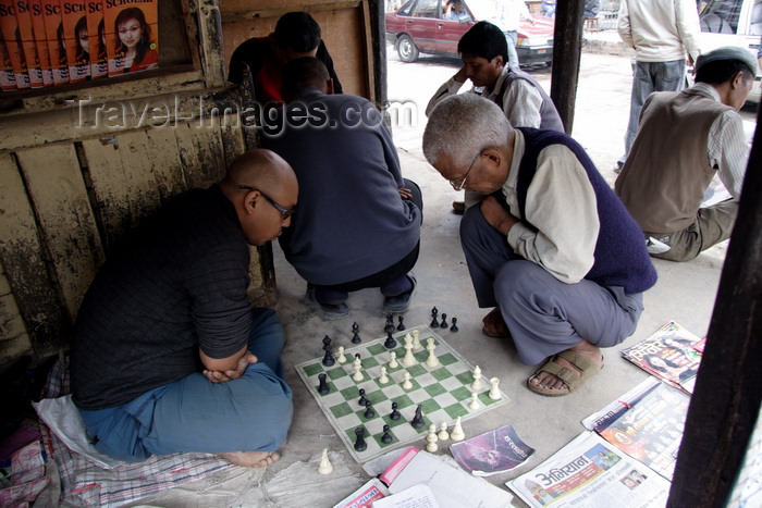 nepal452: Kathmandu, Nepal: men playing chess in the streets - photo by G.Koelman - (c) Travel-Images.com - Stock Photography agency - Image Bank