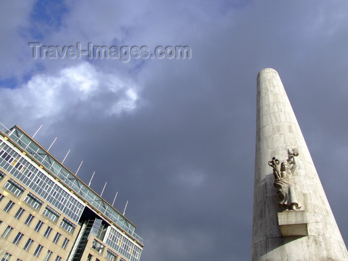 nether203: Netherlands - Amsterdam - National Monument and sky - photo by Michel Bergsma - (c) Travel-Images.com - Stock Photography agency - Image Bank