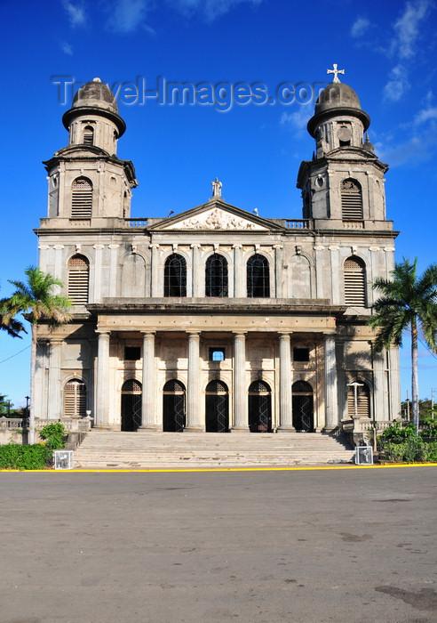 nicaragua65: Managua, Nicaragua: old Roman Catholic Cathedral of St. Jamaes and Plaza de la Revolución / Plaza de la República - Antigua Catedral de Santiago de Managua - photo by M.Torres - (c) Travel-Images.com - Stock Photography agency - Image Bank